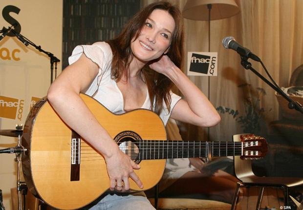 carla_bruni_guitare